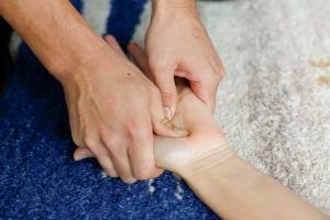 Hand Neck Head Shoulder pain stiff massage Nice France Keita